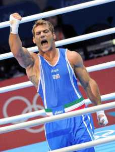WCENTER 0XMIBARIOE                Clemente Russo of Italy celebrates after beating Teymur Mammadov of Azerbaijan in the Men's Heavy (91kg) Semifinal for the London 2012 Olympic Games Boxing competition in London, Great Britain, 10 August 2012.   ANSA/ETTORE FERRARI