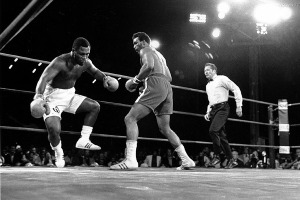 foreman-knocks-down-frazier