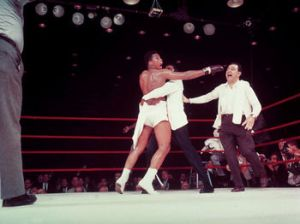 350px-140221-muhammad-ali-sonny-liston-fight-15
