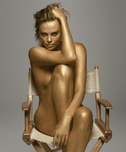 charlize-went-gold-while-posing-nude-dior-jadore
